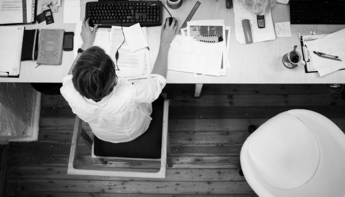 Iværksætter ved siden af studiet? Det skal du huske